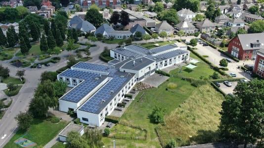 Zonnepanelen op de daken bij 's Heeren Loo in Druten. Foto 's Heeren Loo